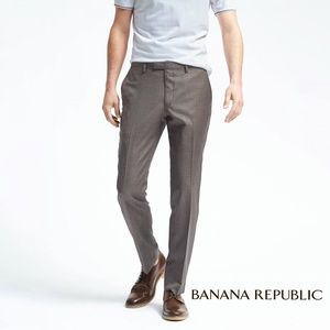 EUC! Banana Republic classic fit wool pant 33x34